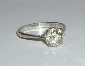 Jewellery in auction in East Sussex